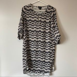 Black white abstract printed lose fit shift dress